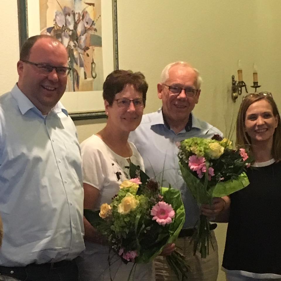 Gratulation an den neuen Ehrenvorsitzenden der CDU Saerbeck