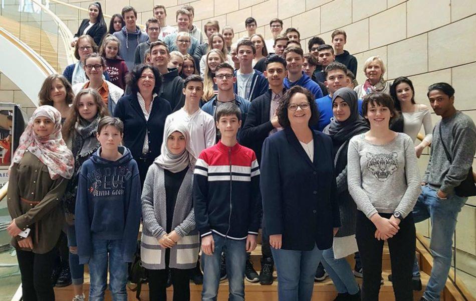 Besuchergruppe der Realschule Wolbeck im Düsseldorfer Landtag