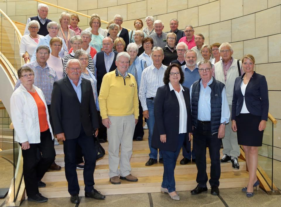 Besuchergruppe der Senioren Union Rheine zu Gast im Düsseldorfer Landtag