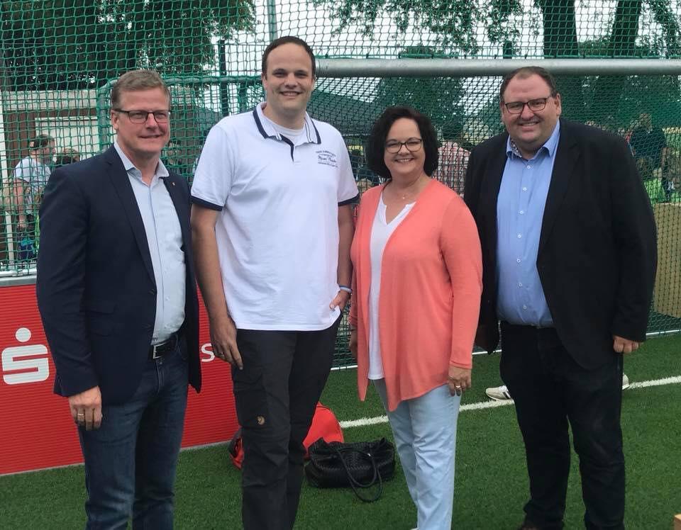 Eröffnung des neuen Soccer-Court in Altenrheine an der Canisius-Grundschule
