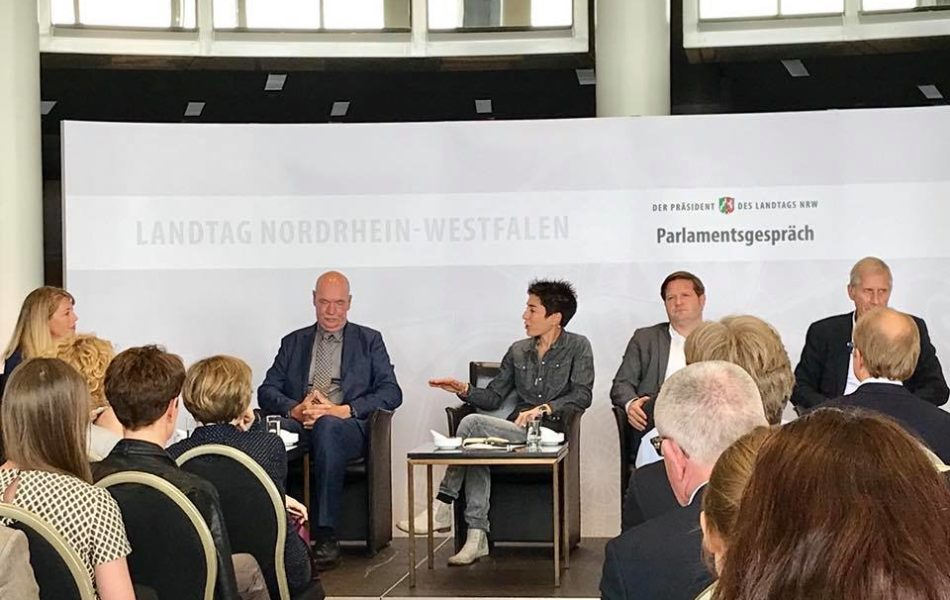 """Parlaments-Gespräch """"Zwischen Fake-News und Hate-Speech"""" im Landtag Düsseldorf"""