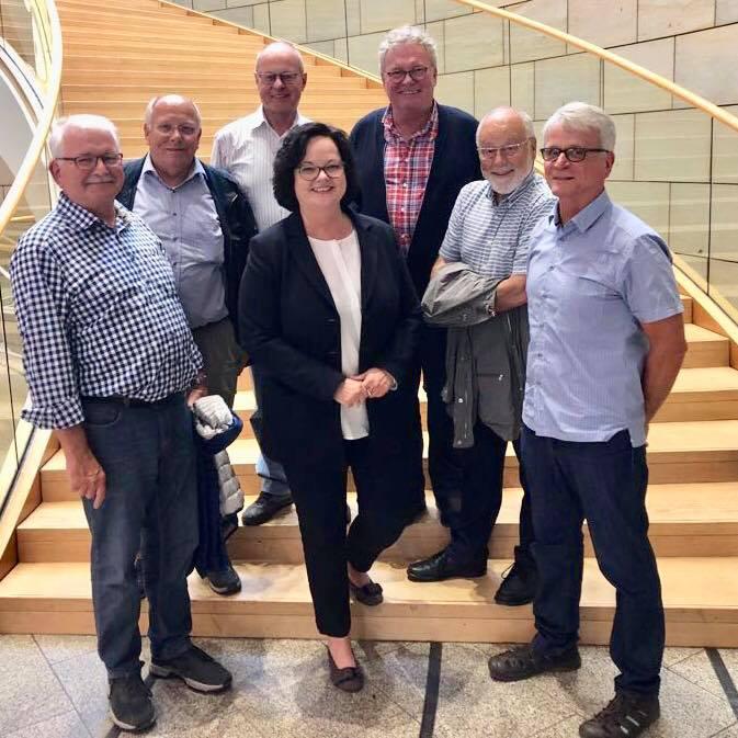 Besuchergruppe aus Emsdetten zu Gast im Landtag