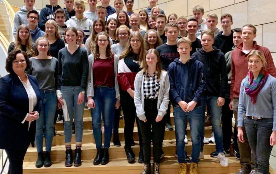Besuchergruppe EF des Gymnasiums Ochtrup zu Gast im Landtag in Düsseldorf