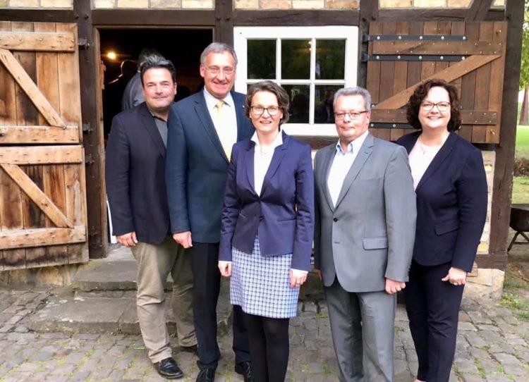 Besuch von Ina Scharrenbach, NRW-Ministerin für Heimat, Kommunales, Bauen und Gleichstellung, im wunderschönen Deitmars Hof in Emsdetten