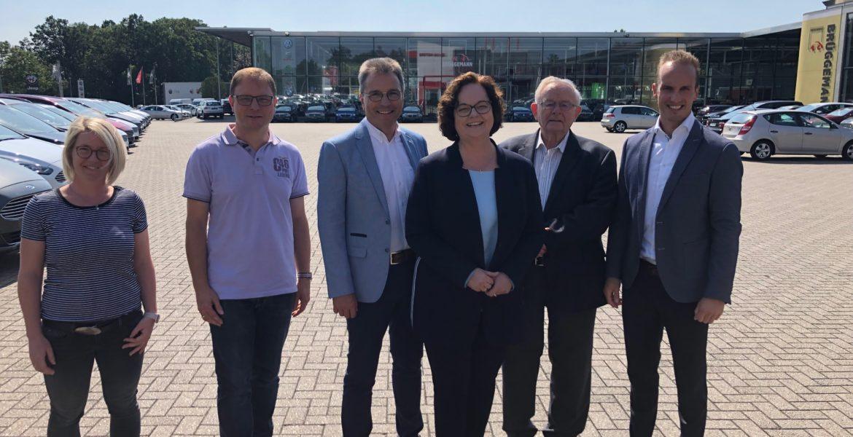 """""""Ein Standortfaktor für Mesum""""  – Andrea Stullich MdL besucht das Autohaus Brüggemann"""