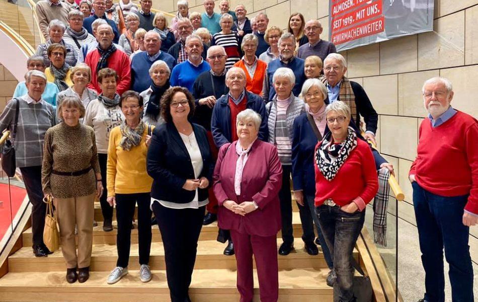 Besuchergruppe des Heimatvereins Rheine zu Gast im Landtag