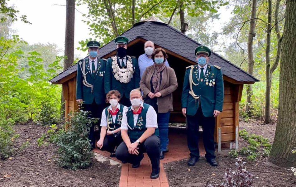 Schutzhütte am Ehrenmal für die Verstorbenen Ladbergens